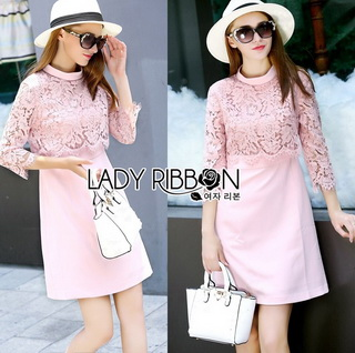 Lace Dress in Pink เดรสตกแต่งผ้าลูกไม้สีชมพูอ่อนสไตล์ฮอลิเดย์