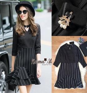 Normal Ally Present Paris Eiffel brooch strip dress