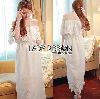 Lady Ribbon Online ขายส่งเสื้อผ้าออนไลน์ Lady Ribbon พร้อมส่ง LR08040816 &#x1F380 Lady Ribbon's Made &#x1F380 Lady Floral Embroidered and Laser-Cut Off-Shoulder Maxi Dress