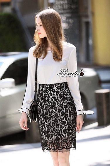 เสื้อสีขาว+กระโปรงลูกไม้สีดำ