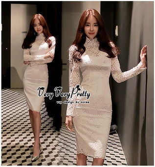 Lady Ribbon Online ขายส่งเสื้อผ้าออนไลน์ Very very pretty เสื้อผ้า VP03100816 Luxury Vintage long-sleeved embroidered Flowers White Lace Dress