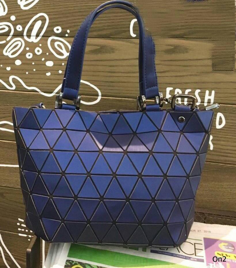 Issey Miyake Mini Diamond Bag ตะลึงกับความสวยของกระเป๋าไปเลย