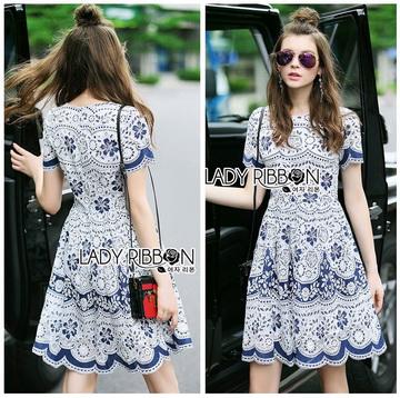 Lady Ribbon Online ขายส่งเสื้อผ้าออนไลน์ ขายส่งของแท้พร้อมส่ง Lady Ribbon LR04250716 &#x1F380 Lady Ribbon's Made &#x1F380 Lady Stephanie Sweet Feminine Laser-Cut Floral Lace Dress เดรสผ้าลูกไม้