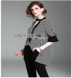 Lady Ribbon Scarf and Black Pants เสื้อลายทาง