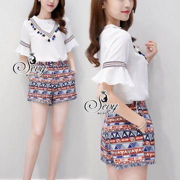 Lady Ribbon Online เสื้อผ้าแฟชั่นออนไลน์ขายส่ง เลดี้ริบบอนของแท้พร้อมส่ง sevy เสื้อผ้า SV06240716 &#x1F389Sevy Two Pieces Of V-Tassel Blouse With Bohemian Shorts Sets
