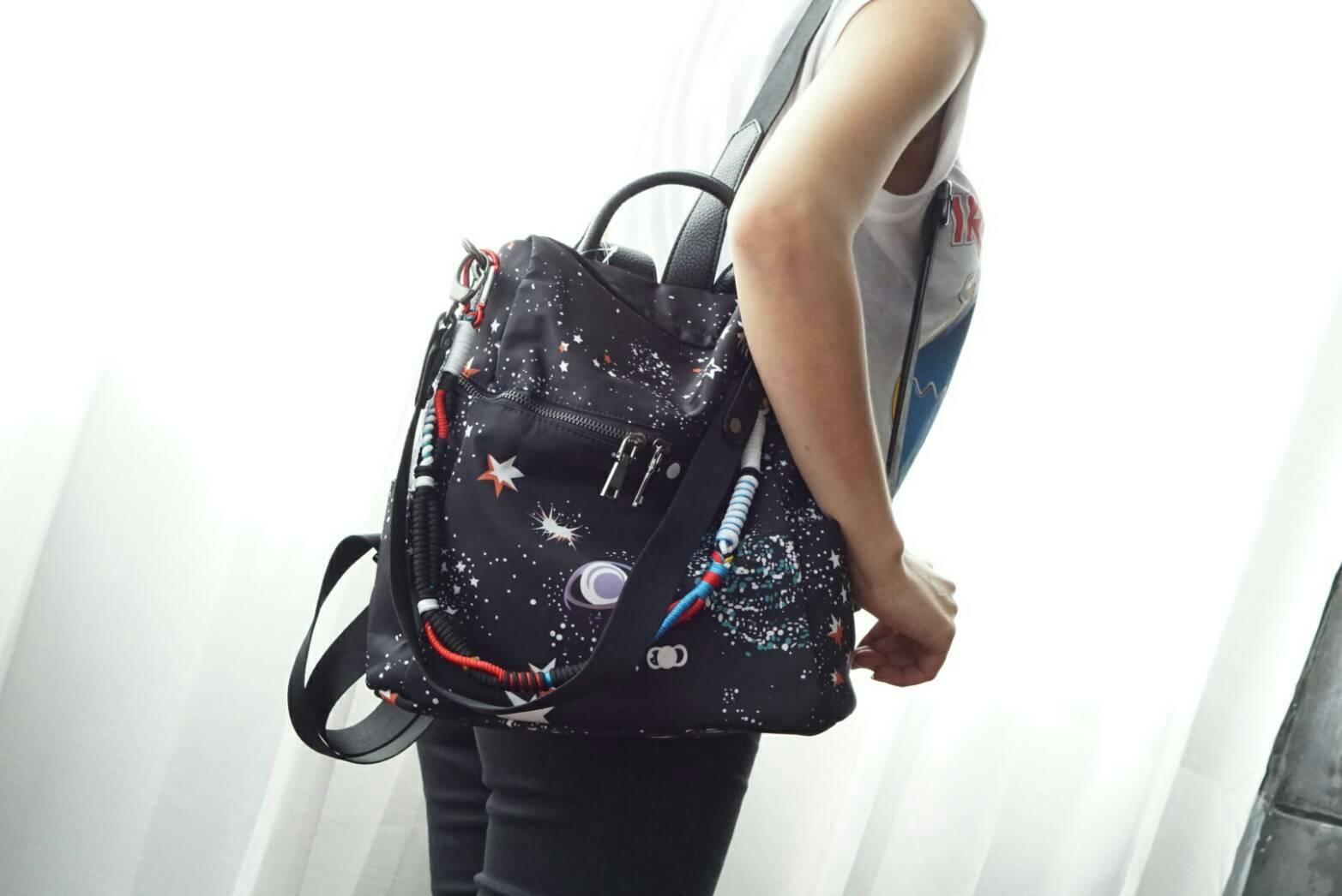 *Valentino Garavani nylon cismo backpack เข้าแล้นนน *