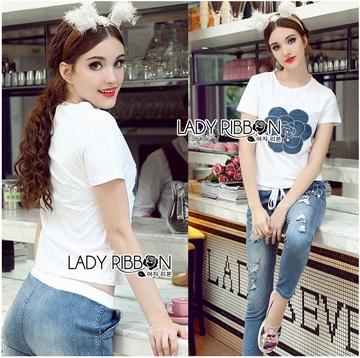 Lady Ribbon Online ขายส่ง เสื้อผ้าออนไลน์ ของแท้ ราคาถูกพร้อมส่ง เลดี้ริบบอน LR17140716 &#x1F380 Lady Ribbon's Made &#x1F380 Lady Coco Camellia Denim Embroidered T-Shirt and Skinny Jeans Set