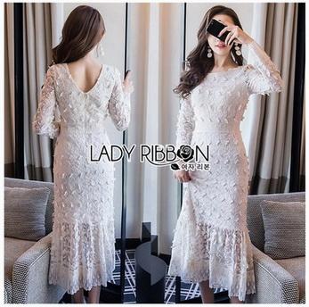 Maxi Dress เดรสยาวผ้าลูกไม้สีขาวทรงแขนยาว