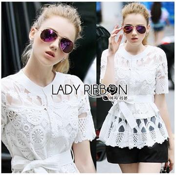 Lady Ribbon Online ขายส่ง เสื้อผ้าออนไลน์ ของแท้ ราคาถูกพร้อมส่ง เลดี้ริบบอน LR01140716 &#x1F380 Lady Ribbon's Made &#x1F380 Lady Elena Elegant Chic Button-Down White Lace Blouse with Ribbon