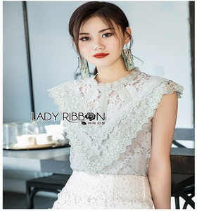 Lady Lindsay Basic Lace Sleeveless Top เสื้อแขนกุด