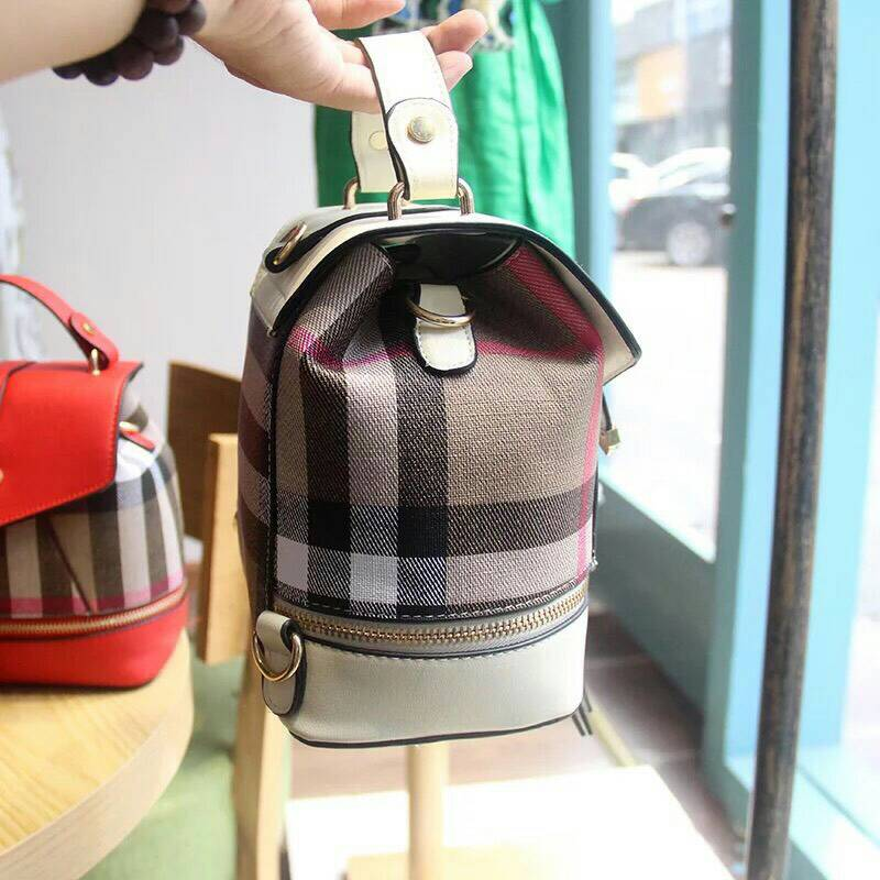 *burberry backpack mini *