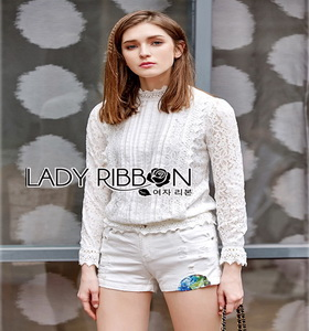 Lady Ribbon With Lace Blouse