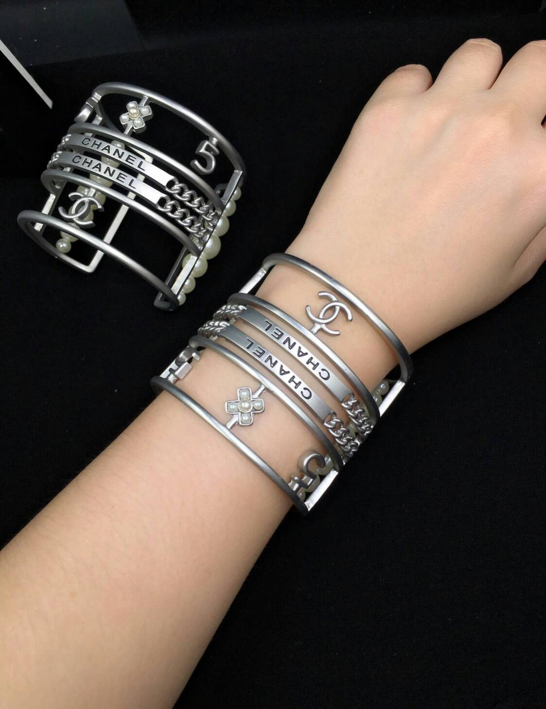 Chanel Bracelet งานซุปเปอร์ไฮเอน สวยเหมือนทุกจุด ตัวเรือนหนาแข็งแรง สีเงินด้านสวยคลาสสิค