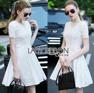 Lady Ribbon Online เสื้อผ้าออนไลน์ขายส่ง lady ribbon เสื้อผ้า LR01150816 &#x1F380 Lady Ribbon's Made &#x1F380 Lady Catrina Classic White Laser-Cut and Embroidered Cotton Dress เดรสผ้า