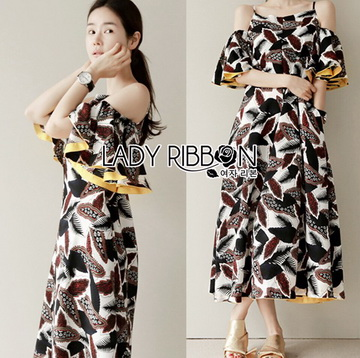 Lady Ribbon Online เสื้อผ้าออนไลน์ ขายส่งของแท้ราคาถููก LR07110716 &#x1F380 Lady Ribbon's Made &#x1F380 Lady Carley Beachy Relax Off-Shoulder Ruffle Maxi Dress