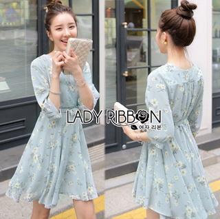 Lady Ribbon Online เสื้อผ้าออนไลน์ขายส่ง Lady Ribbon เสื้อผ้า LR06180816 &#x1F380 Lady Ribbon's Made &#x1F380 Lady Lucie Julie Sweet and Pure White Daisy Printed Pale Blue Dress เดรสสีฟ้าอ่อน