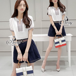 Sevy Two Pieces Of V Cut Collar Blouse With Short Belt Sets Type: Blouse+Shorts