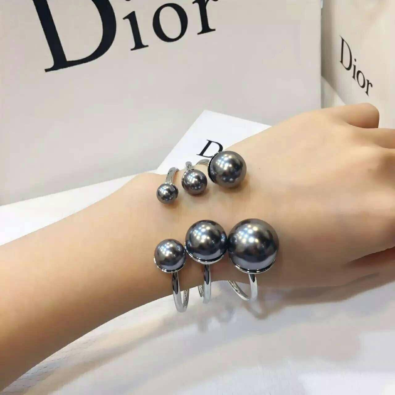 Christsin Dior Bracelet กำไลข้อมือมุกดิออ Free Size