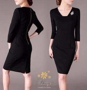 เสื้อผ้าคอวีแฟชั่นเกาหลีสีดำ