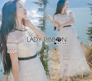 Lady Ribbon Natalie Graphic Feminine Maxi Dress