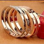 Cartier Diamond Bracelet กำไลข้อมือหน้าโลโก้ประดับเพชรคาร์เทีย