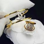 กำไลข้อมือและแหวน Chanel ตกแต่งด้วยเพชรสวิส สีทอง 24K งานทอง 5 ไมครอน