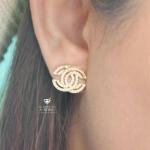 Chanel Earring ตัวเรือนสีทองฝังเพชร CZ เม็ดเล็ก Made in Korea