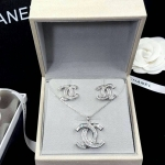 Chanel Earring เกรดซุปเปอร์ไฮเอน งานเพชร CZ ตัวเรือนสีเงินชุบ 18KGP ไม่ลอกไม่ดำ Made in Korea