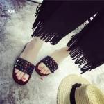 รองเท้าเเตะแบบสวมหน้าคาดหนังติดมุดสลับสี วัสดุหนังนิ่ม พื้นคิว อย่างดี ใส่สบาย พื้นล่างกันลื่นด้วยคะแบบน่ารักมากๆใส่ชิวๆได้ทุกทีโดนน้ำได้นะคะ