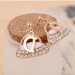 F606 - ต่างหูแฟชั่น ต่างหูหนีบ ต่างหูเกาหลี ตุ้มหูแฟชั่น ตุ้มหู ต่างหู เครื่องประดับ letters D flash diamond earrings