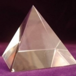 701 Crystal Pyramid ขนาด 4 cm