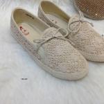 รองเท้าผ้าใบลูกไม้วาเลนงานทรงนี้ขายดีตลอดคะด้วยความน่ารักของรองเท้า