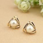 H832 - ต่างหูแฟชั่น ต่างหูหนีบ ต่างหูเกาหลี ตุ้มหูแฟชั่น ตุ้มหู ต่างหู เครื่องประดับ pearl earrings lady double triangle