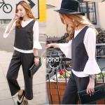 • เซ็ท 3 ชิ้นสุภาพ เสื้อ+เสื้อตัวนอก+กางเกง 1.เสื้อผ้าจอร์เจียนิ่มคอกลมแขนระบาย + เสื้อตัวนอกแขนกุดผ้าฝ้ายเนื้อนิ่ม + กางเกงซิปข้าง ทรงบอยใส่สบายใส่ได้ทุกโอกาศคะ งานดีงามมากๆคะ