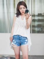 เสื้อแฟชั่นเกาหลีแขนกุดสีขาวแต่งโครเช
